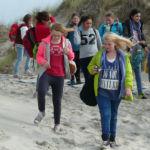 Schüler in den Dünen